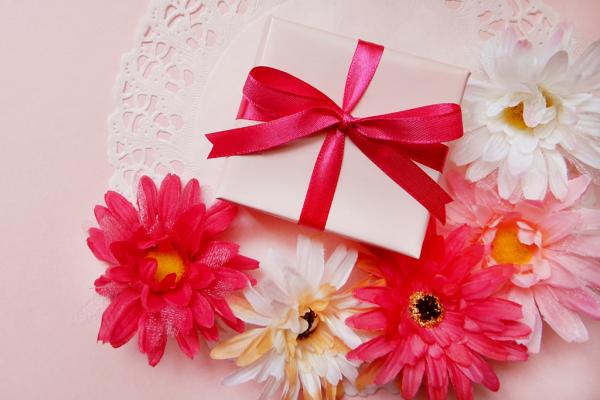 必見!義母に喜ばれる誕生日プレゼントおすすめ10選|予算や選び方も紹介
