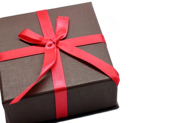 両親へのプレゼントで人気なものは?選び方から相場まで